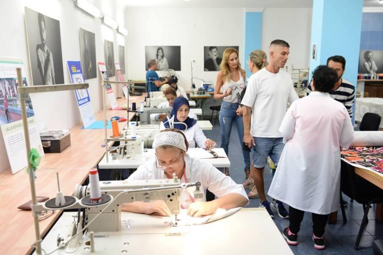 Moisés Castañeyra visita de nuevo el taller