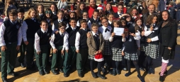 """Los chicos que forman el coro """"Voces Blancas"""" del Colegio Enrique Soler"""