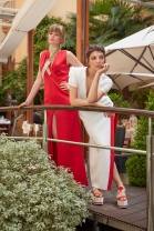 Dos de las modelos que desfilaron en Intercontinental mostrando las piezas de la colección de María Lafuente confeccionada en Lal La Buya
