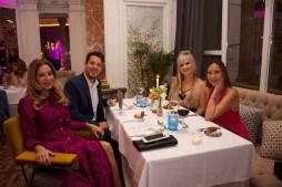 Nuestros elegantes invitados, junto a la diseñadora María Lafuente. GRACIAS
