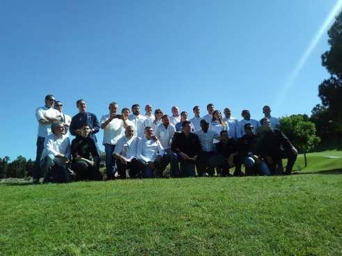 Foto de familia de todos los chefs participantes en el evento.
